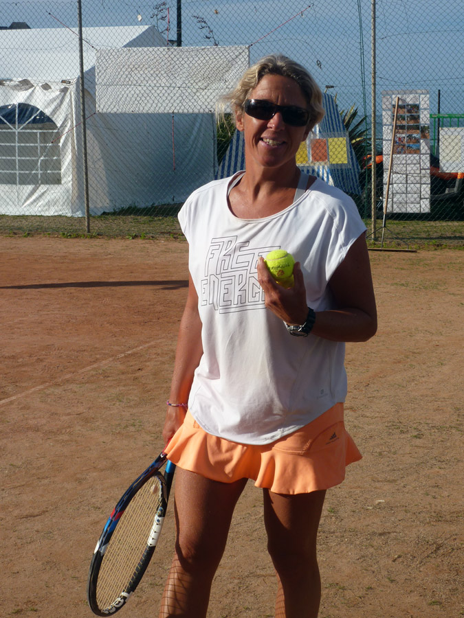 Anne-Frédérique est coach tennis à Perros-Guirec
